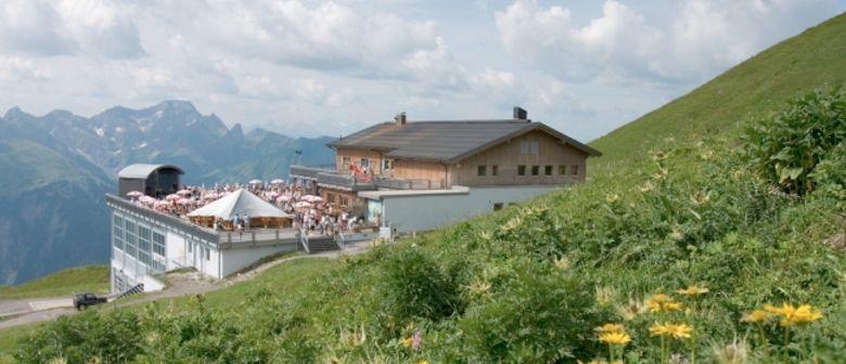 VN Wandercup, Blasmusk am Berg und Bergmesse