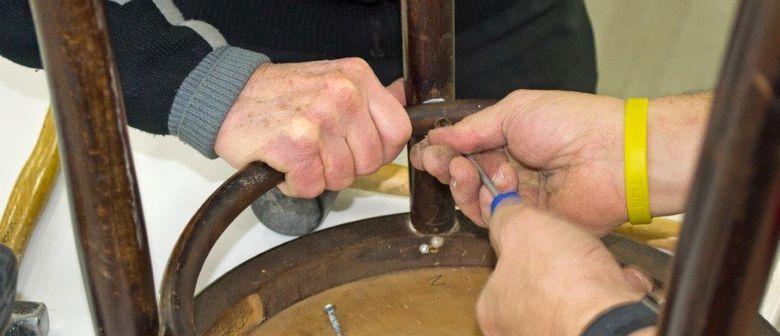 Reparaturcafé Möbel - selbst reparieren statt wegwerfen