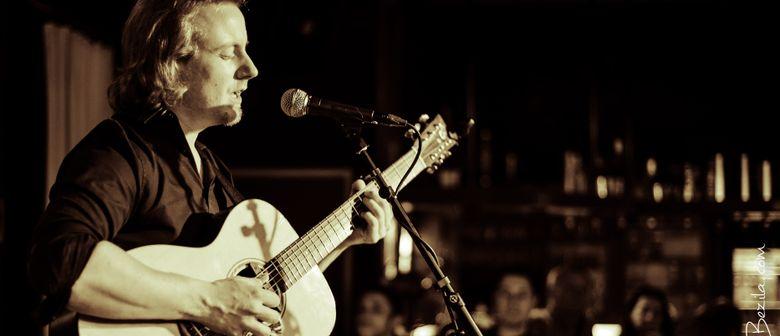 MARKUS SCHLESINGER – Fingerstyle Acoustic Guitar