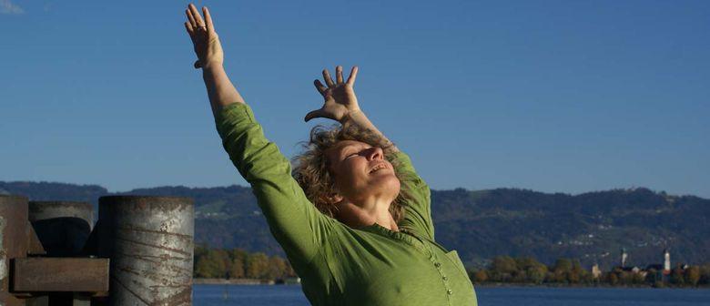 Yoga für Wurzeln und Flügel