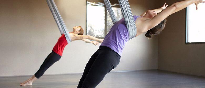 Stärke deinen Rücken mit Flying Yoga: CANCELLED