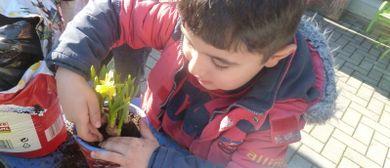 Art contact project - garden time - Gartenzwerg & Himbeere