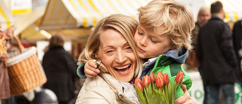 Muttertagsmarkt am Kirchplatz mit musikalischen Highlights