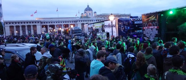 Cannabis Social March 2015