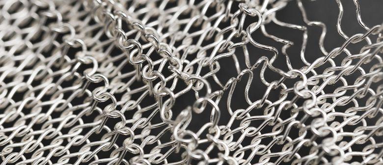 "Galerie V&V mit ""Alternatives of Textile Jewellery"""