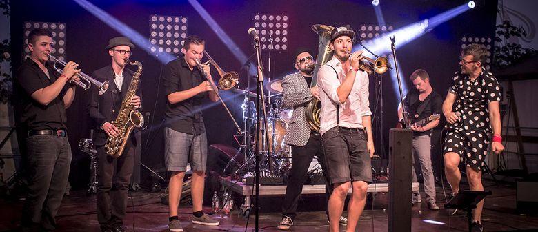 Brassclub bei Sommer.Lust am Platz