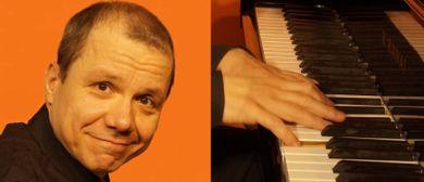 ILLUSIONEN MIT 50 - Klavierkabarett von/mit Roman SEELIGER