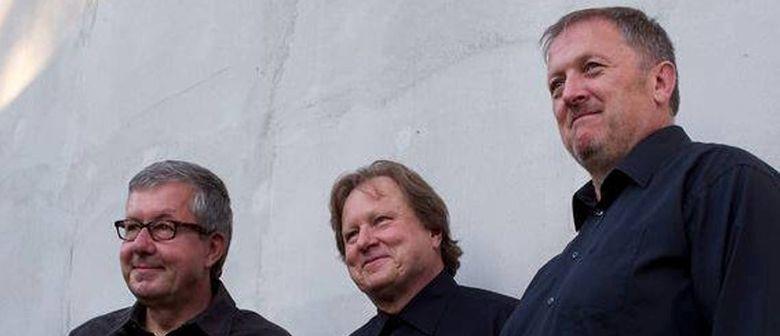 Roland Batik Trio