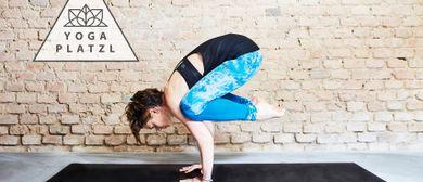 Yoga im Yogaplatzl mit Marion Fussi