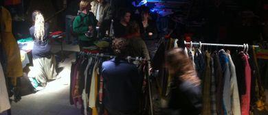Winterflohmarkt in der Stadtwerkstatt mit Feuertonne
