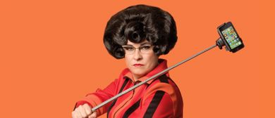 Helga Schneider - Superh3lg@ - SmartComedy