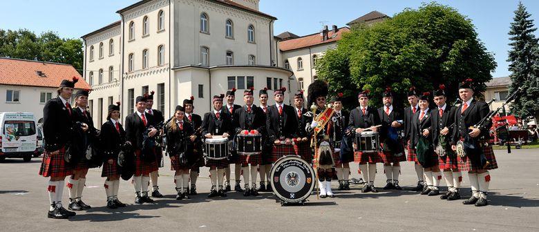 Scottish Pipes and Drums am Schlossplatz