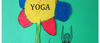 Yoga auf der Wiese