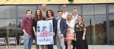 BLUTSBRÜDER: Musikalische Darbietung und Autogrammstunde