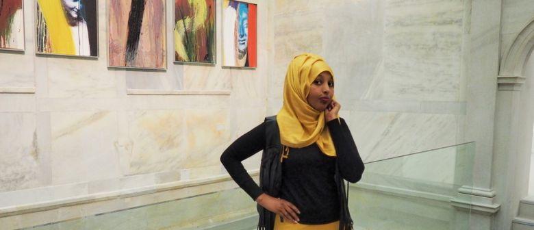 Kunst trifft Flucht: Asylwerber führen durch die Ausstellung