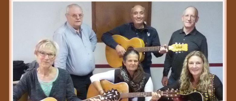 Adventsingen mit der Gitarrengruppe Ludascos