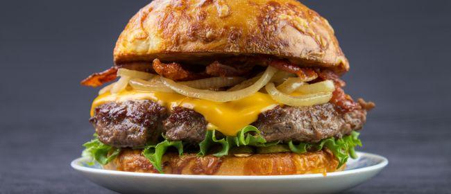 Französische Burger Genüsse in Flatschers Bistrot