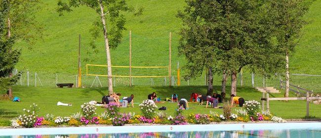 Sommer Yoga im Freibad Schwarzenberg