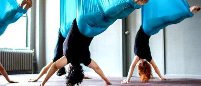 FLYING YOGA - AERIAL YOGA - YOGA FLOW IM TUCH