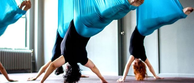 FLYING YOGA - AERIAL YOGA - MORNING FLYING YOGA