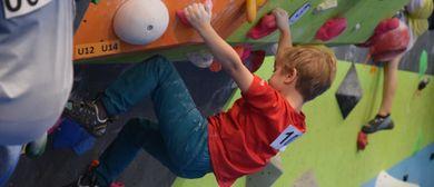 Schnupperklettern Kinder in der Boulderhalle