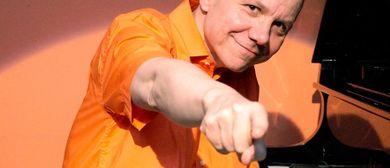 Pianist entert Ischl mit Ohrwürmern und Kabarett