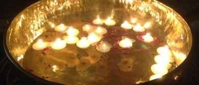 Mantrasingen zum indischen Diwali Fest