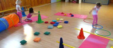 Kleinkinder Spielgruppe mit Bewegung samstags
