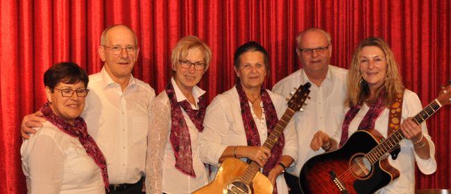 Mitanand singa mit der Gitarrengruppe Ludasco