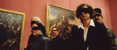 Museumsführung mit verbundenen Augen
