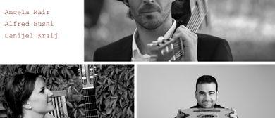 """Vienna Guitar Trio in der """"Galerie Sandpeck Wien 8"""""""