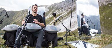 Parasol Peak, Film und Musik mit Manu Dealgo
