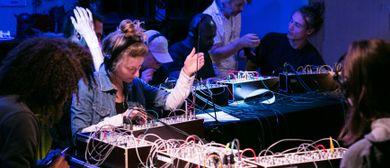 Modular Synthesizer Ensemble im Ernst Krenek Forum
