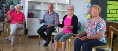 Bewegungsgruppe älterer Menschen