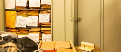 Führung durch die Depoträume / ehem. Stickereizentrum