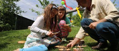 Waldorf-Spielefest im Garten der Familienschule Götzis