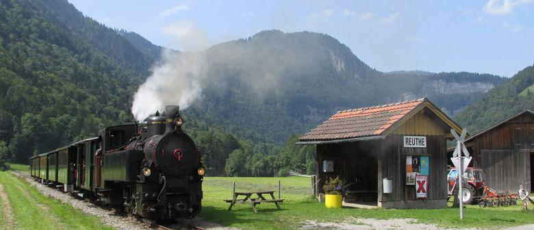 Dampfzüge beim Wälderbähnle & Handwerksausstellung Bezau