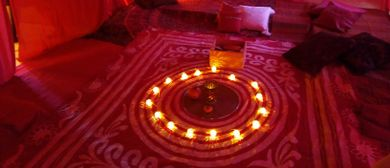Festival der Weiblichkeit - Bluten und Blühen im roten Zelt