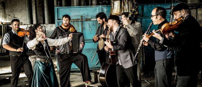 Barcelona Gipsy balKan Orchestra - Avo Kanto