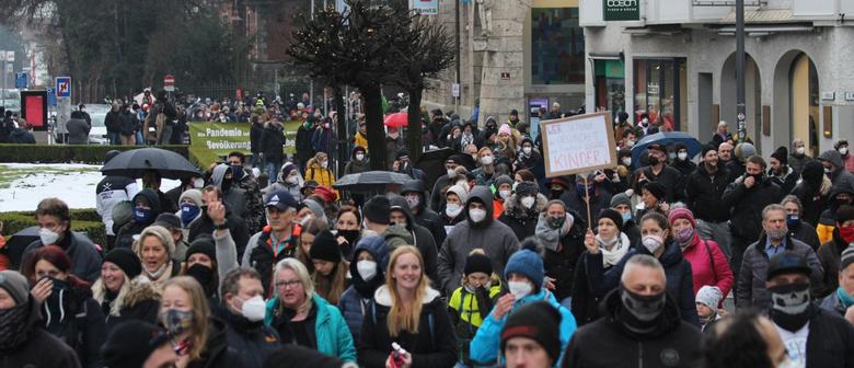 Protestmarsch und Kundgebung