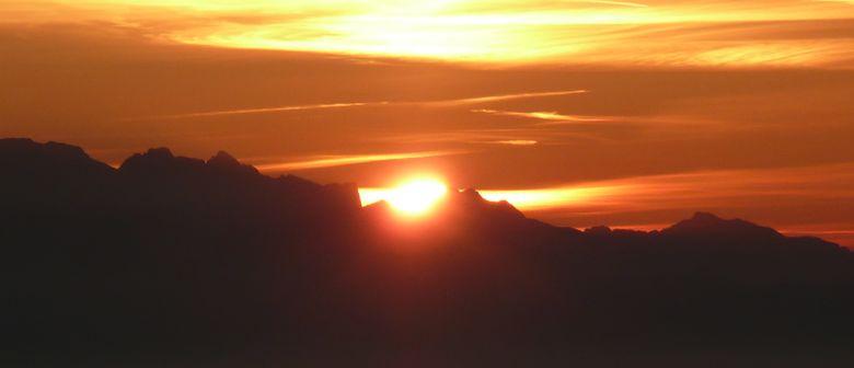 Sonnenuntergangs- und Vollmondwanderung zur Fraßenhütte